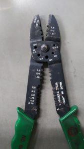 電工ペンチ1