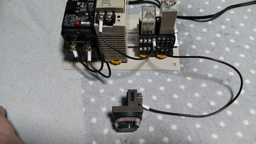R1⑨から押しボタンスイッチへ接続の写真