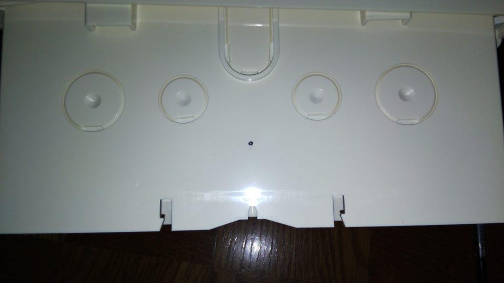 穴開け用のマーキングの写真