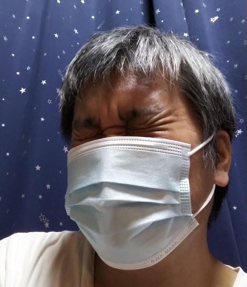 不織布マスク着用の様子写真