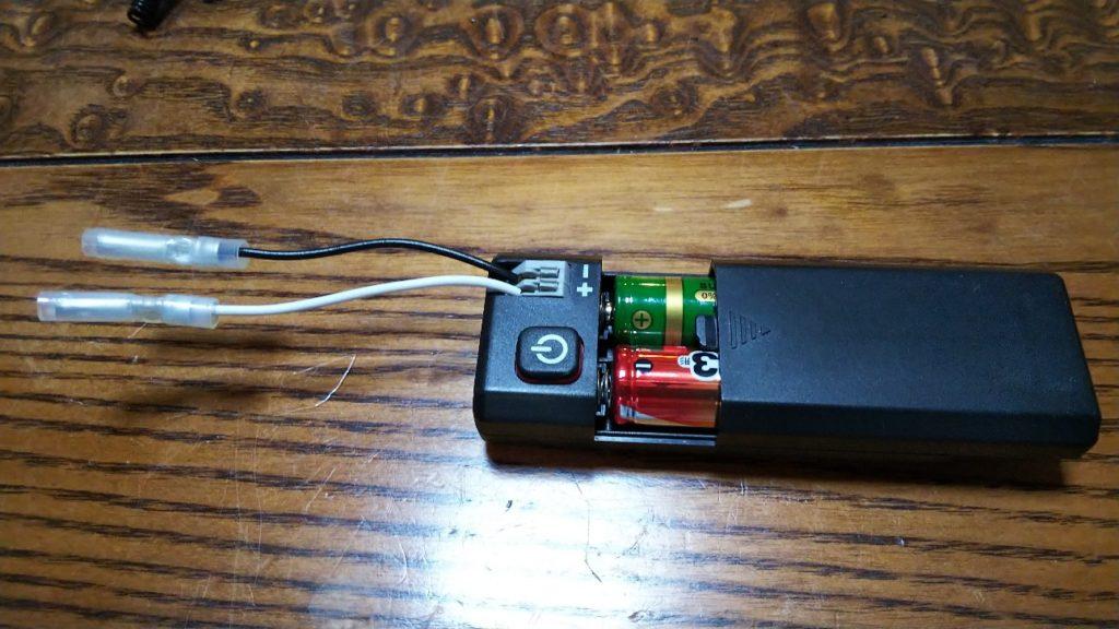 電池ボックス側のコードの写真
