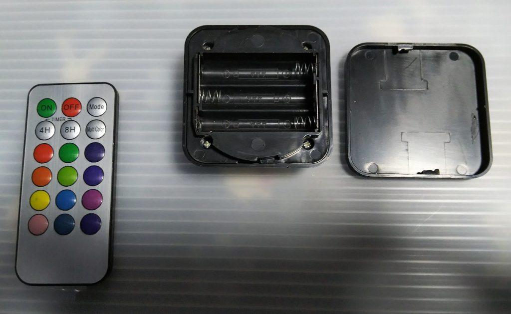 電池フタを外した様子の写真