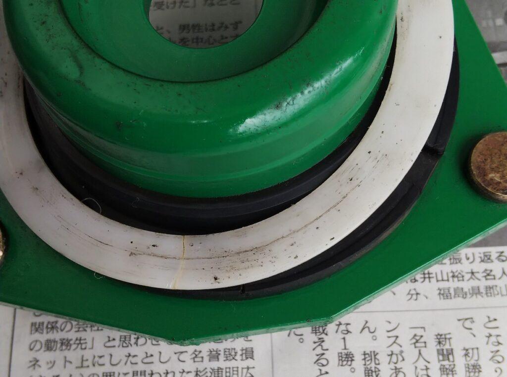 シートとゴムの加圧部位の写真